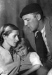 Лев Моисеевич Наппельбаум с семьей