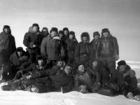 Групповой портрет участников 3-й Советской антарктической экспедиции.  Антарктида. 1958 г.