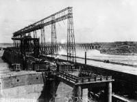 Общий вид на дамбу со стороны бетонного завода. Украинская ССР, Днепрострой. 1932 г.