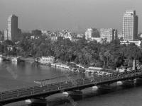 Вид на мост Каср-эль-Нил и западную часть Каира. ОАР, г. Каир. Октябрь 1970 г. Фотограф В. Кошевой.