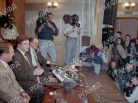 Выступление лидера политической партии «Яблоко» Г.А. Явлинского во время пресс-конференции. Российская Федерация, г. Москва. 02.11.1995 г. Фот. А.Морковкин.