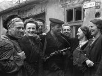 Моряки Дунайской флотилии на улицах Белграда. Югославия, г. Белград, 30 октября 1944 г. РГАКФД. Арх. № 0-256710.