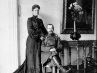 Император Николай II и императрица Александра Федоровна. Российская империя. Не позднее 1909. Фотограф не установлен. РГАКФД.